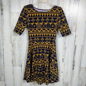 🌿 Fleur De Lis Open Back Half Sleeve Dress Medium